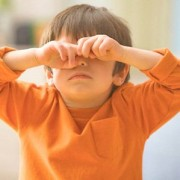 Лечение коньюктивита у ребенка. Какие разновидности заболевания существуют?